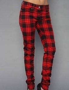 Современная мода на разные оттенки джинсов
