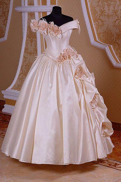 пошив выпускного платья